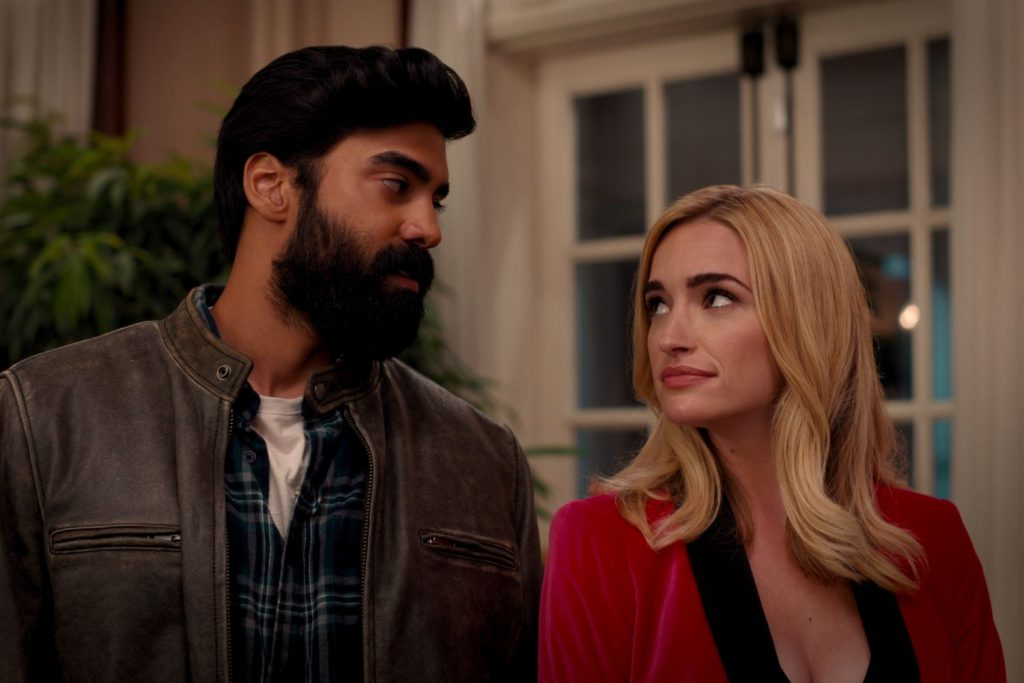 Ginny & Georgia (L-R) Raymond Ablack as Joe and Brianne Howey as Georgia