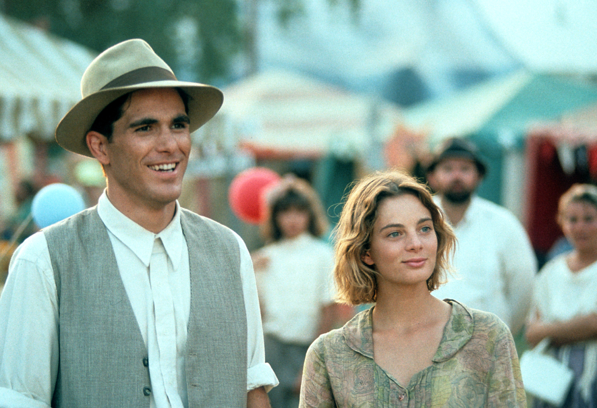 Michael Schoeffling and Gabrielle Anwar in a scene from the film 'Wild Hearts Can't Be Broken', 1991.