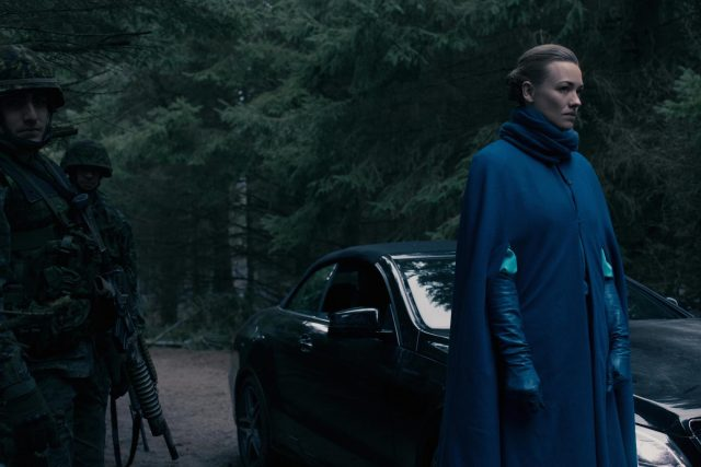 'The Handmaid's Tale': Yvonne Strahovski Gave Clues on Serena Joy's Emotional State in Season 4