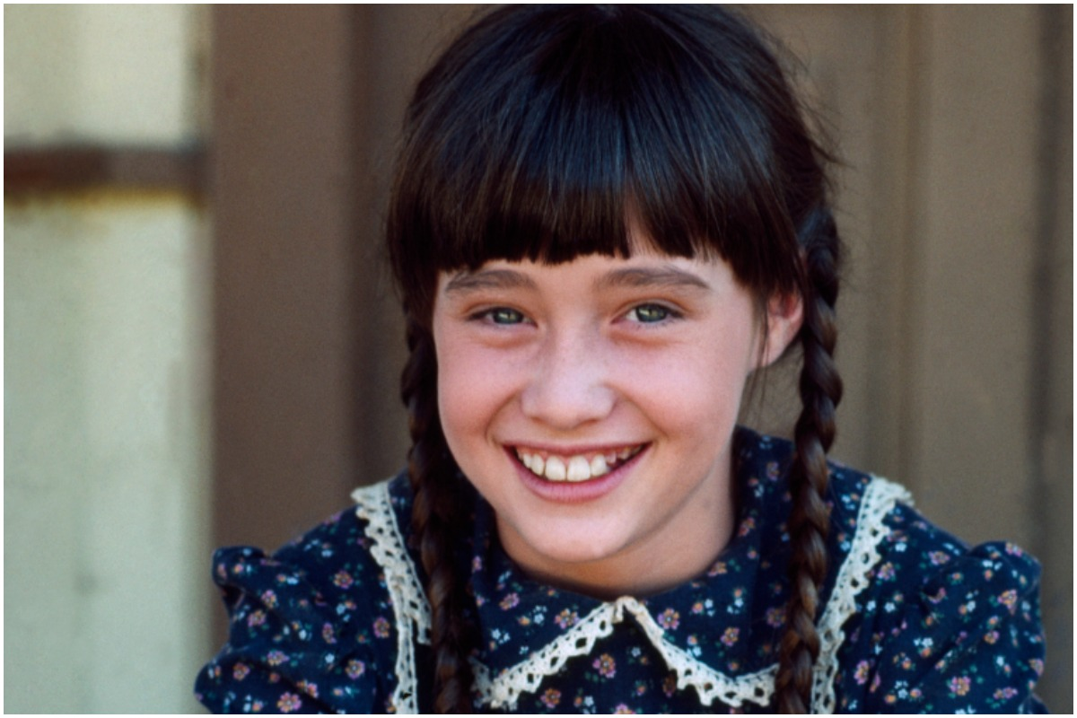 Shannen Doherty on the set of 'Little House on the Prairie'
