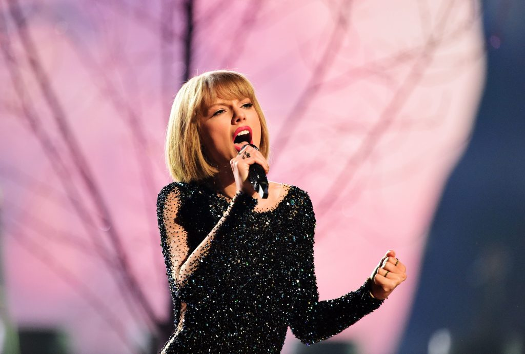 Taylor Swift performs 'Out of the Woods' at the Grammy Awards in 2016