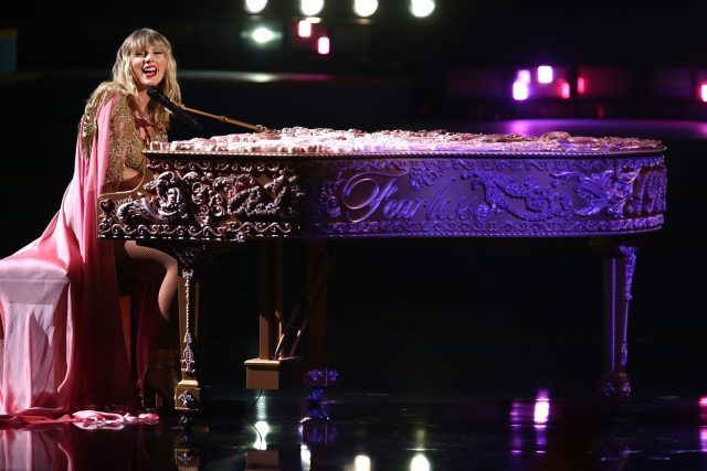 Fans Can Now Listen to a Sneak Peek of Taylor Swift's 'Wildest Dreams (Taylor's Version)'