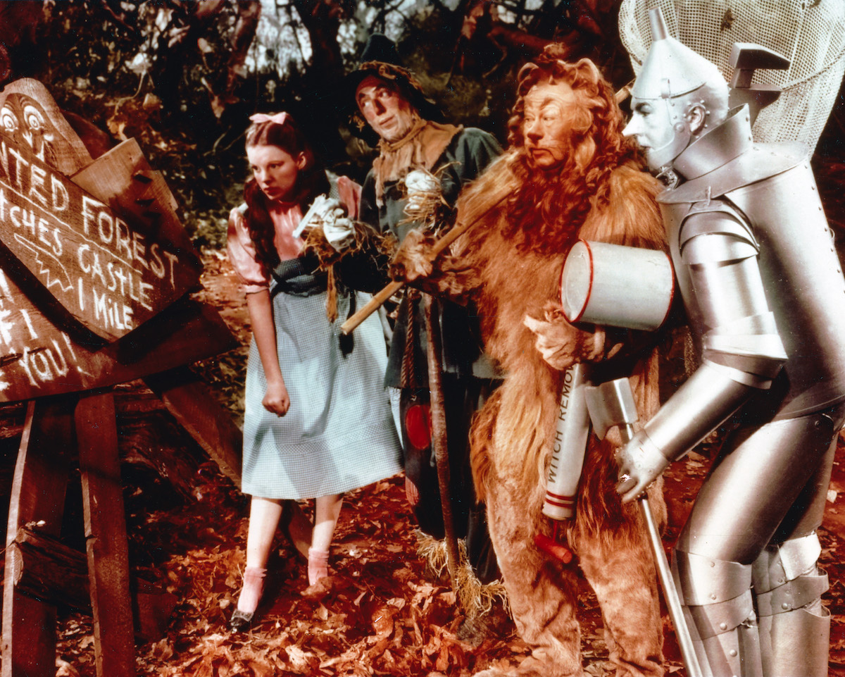The Wizard of Oz cast pose for a publicity still for the film