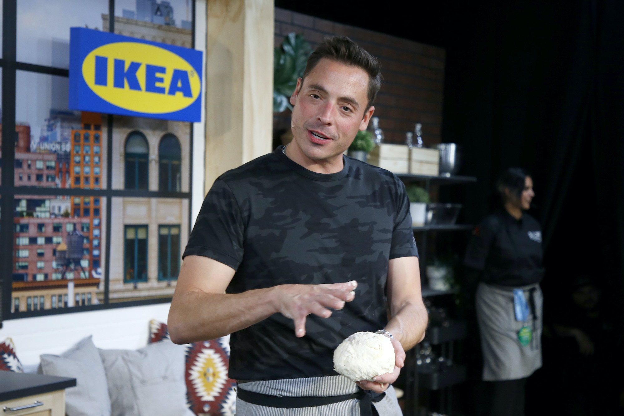Kitchen Crash Jeff Mauro Debunks Myths About The Show Says It S Not Scripted Or Fake