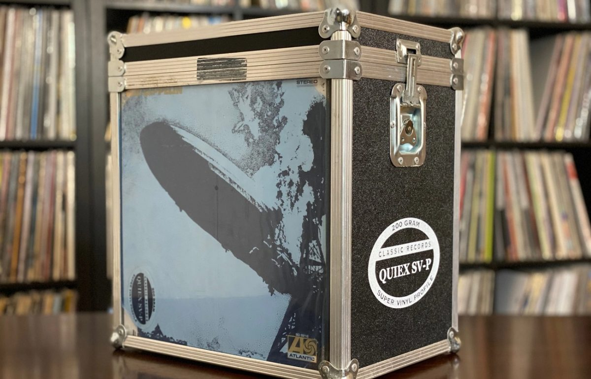 Picture of the 'Led Zeppelin' album cover on a metal case box set