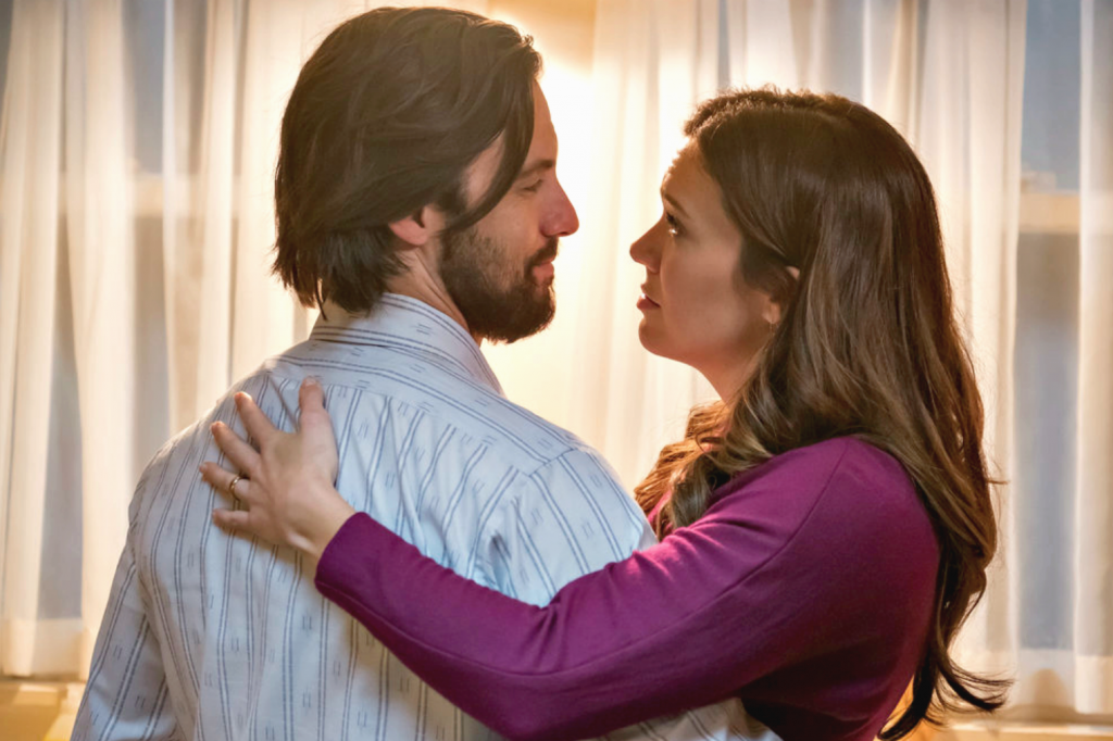 Mandy Moore and Milo Ventimiglia embrace as Rebecca and Jack Pearson on 'This Is Us