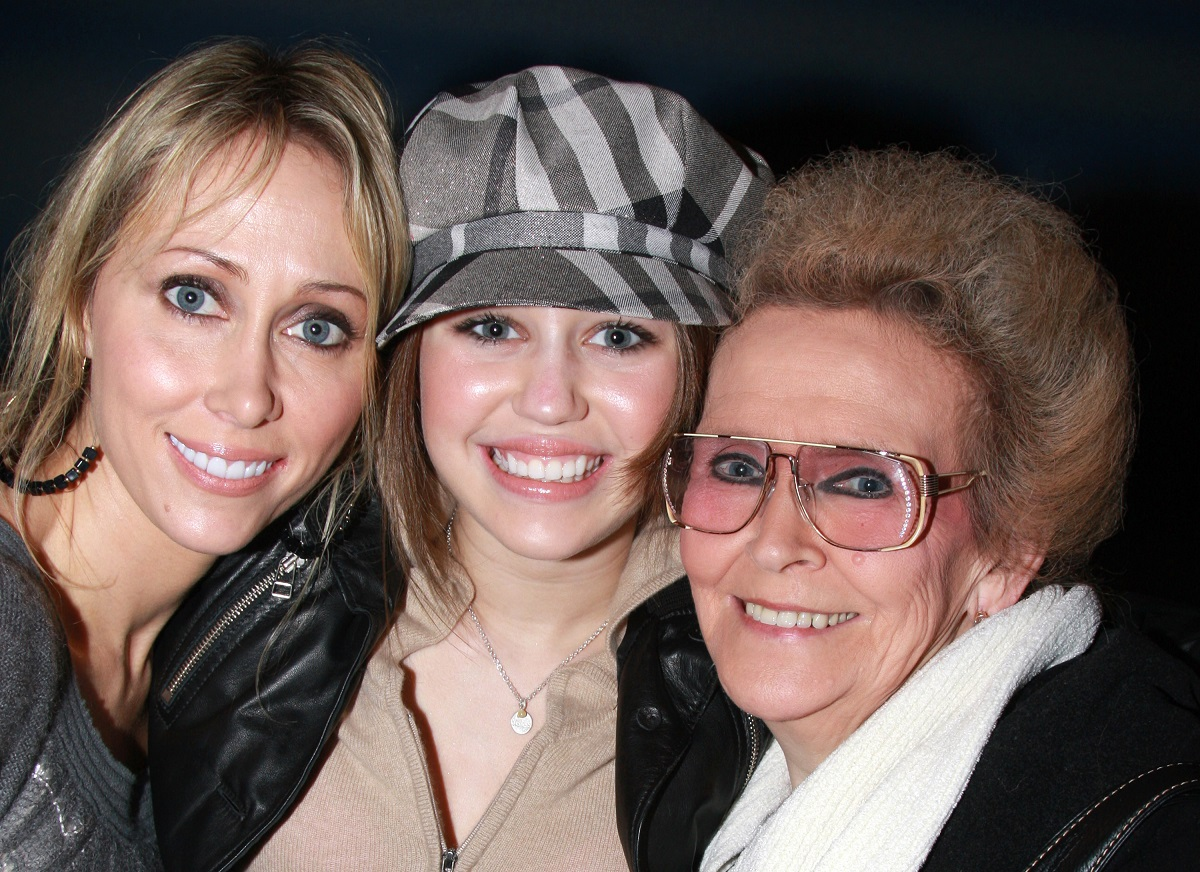(L-R) Tish Cyrus, Miley Cyrus, and Loretta 'Mammie' Finley on December 23, 2007, in New York City.