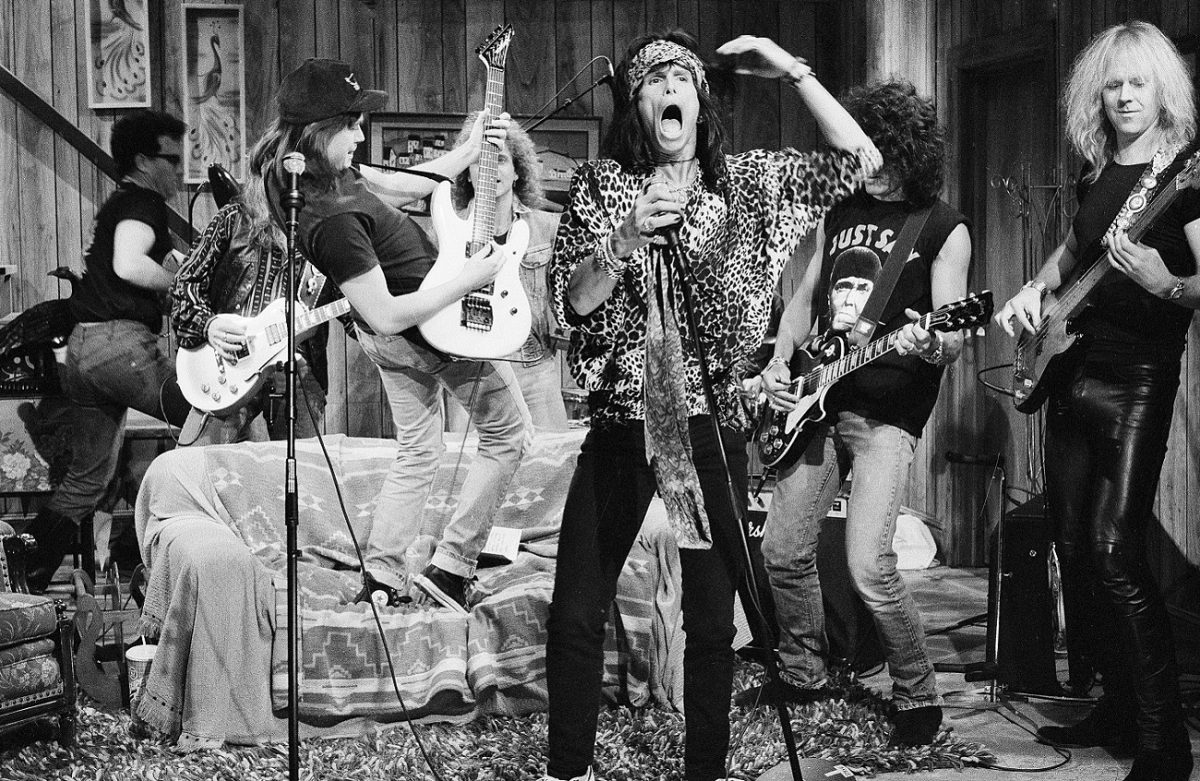 Mike Myers and Aerosmith perform on 'SNL' for the 'Wayne's World' skit