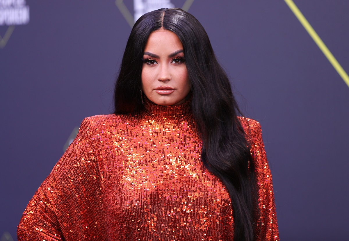 Demi Lovato arrives at the 2020 E! People's Choice Awards held at the Barker Hangar in Santa Monica, California in 2020