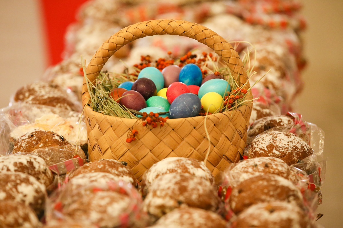 Easter cakes and eggs on display at the Resurrection Church on the Uspensky Vrazhek in the city centre