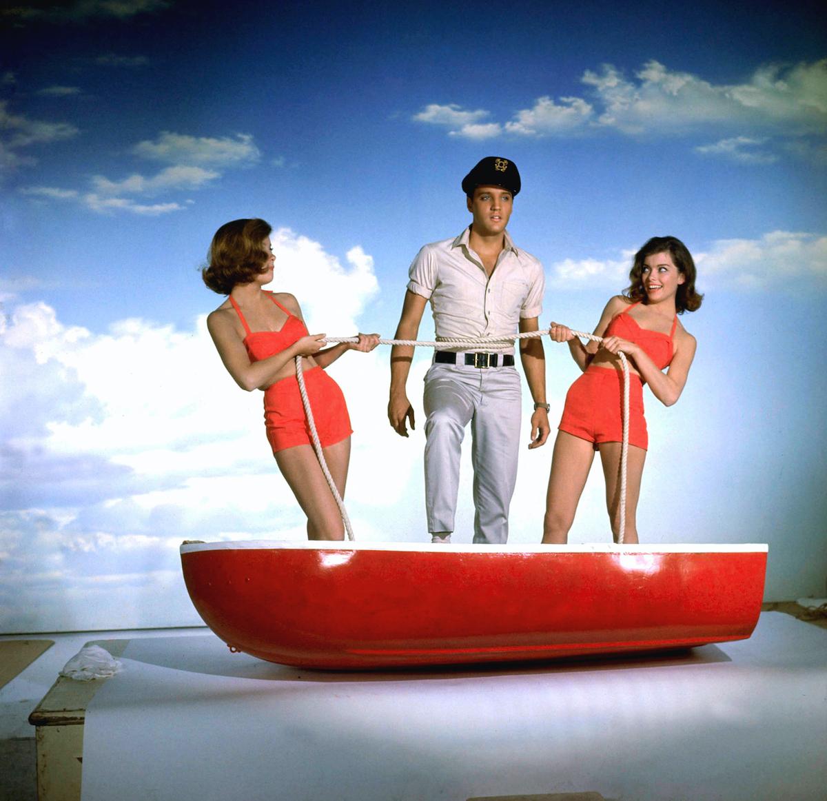 Elvis promoting the movie 'Girls! Girls! Girls!'