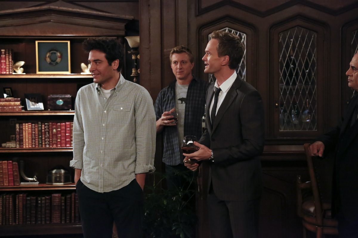 Josh Radnor, William Zabka, and Neil Patrick Harris on 'How I Met Your Mother'