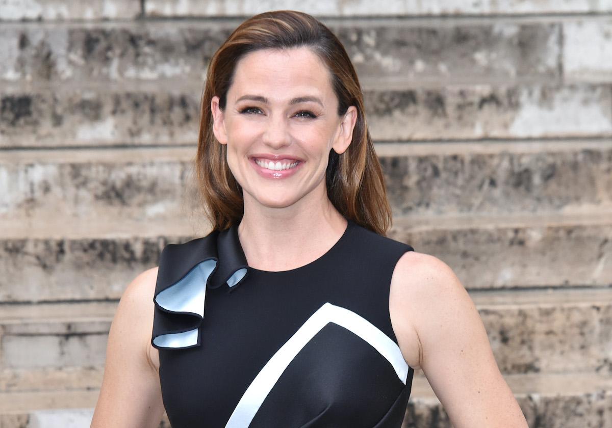 Jennifer Garner attends Paris Fashion Week