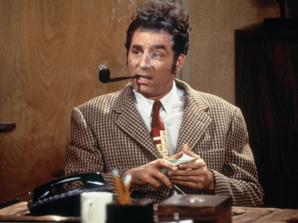 Michael Richards smoking a pipe on 'Seinfeld'