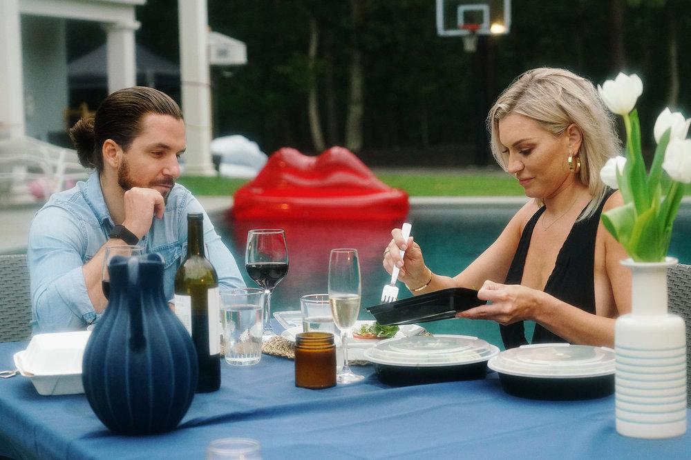 Stephen Traversie and Lindsay Hubbard having dinner