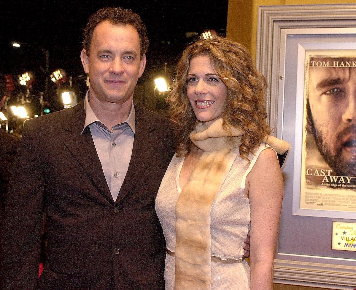 Tom Hanks arrives at the premiere of 'Cast Away' with his wife Rita Wilson in Los Angeles in 2000