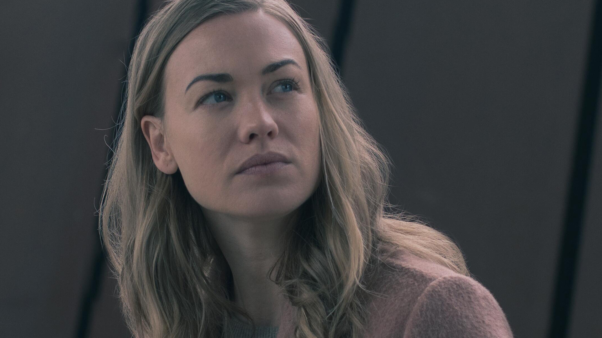 Yvonne Strahovski as Serena Joy Waterford looking up at someone in 'The Handmaid's Tale' Season 3 Episode 13