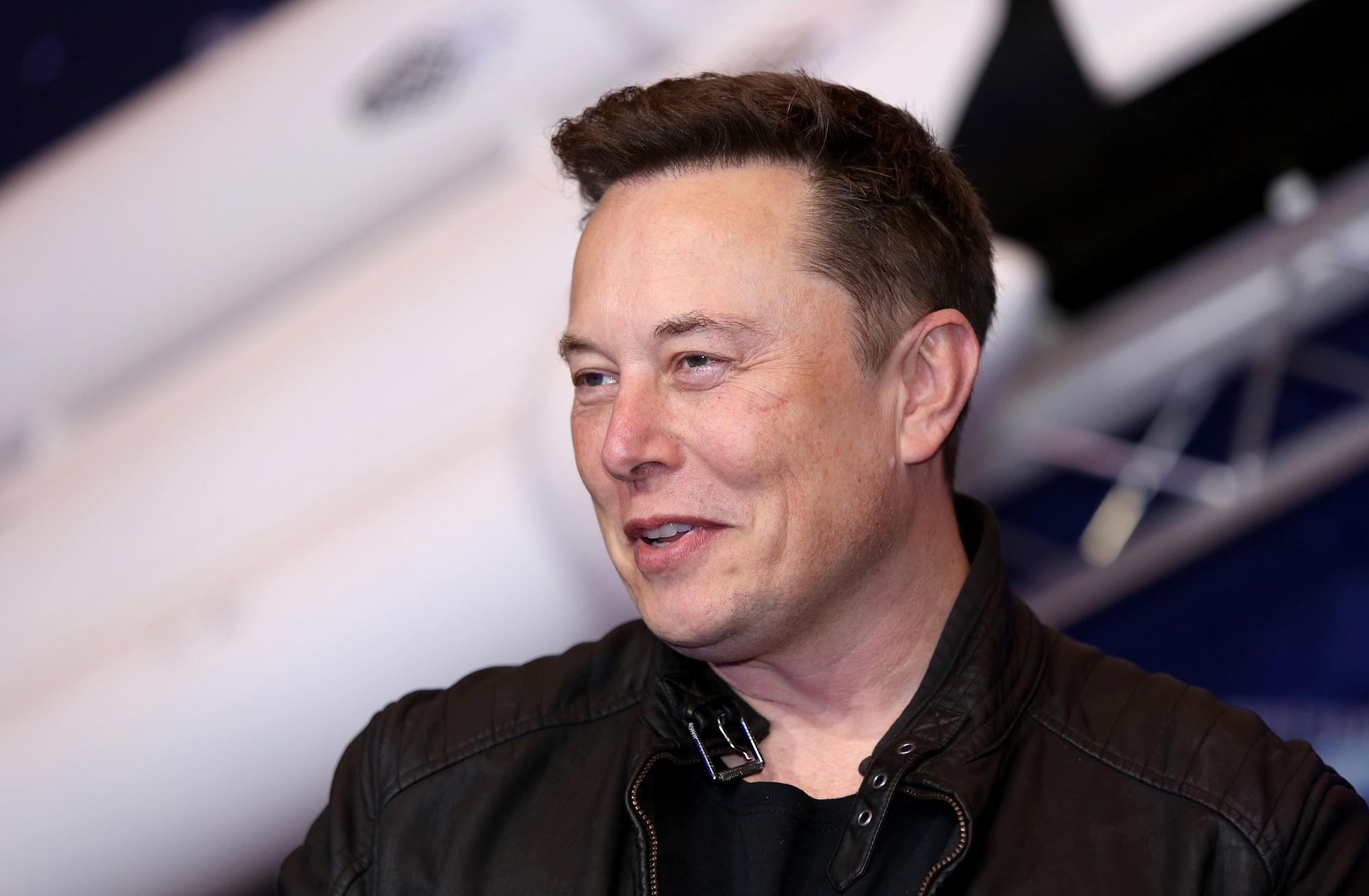 Elon Musk will host SNL on May 8
