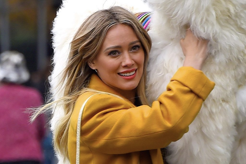 Hilary Duff filming in NYC in 2019