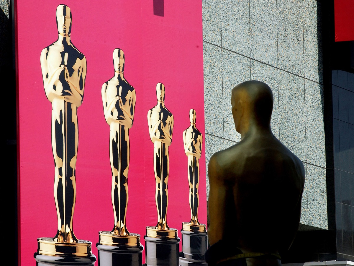 A giant Oscar statue on the red carpet of the 75th Academy Awards show March 21, 2003 in Hollywood, California.