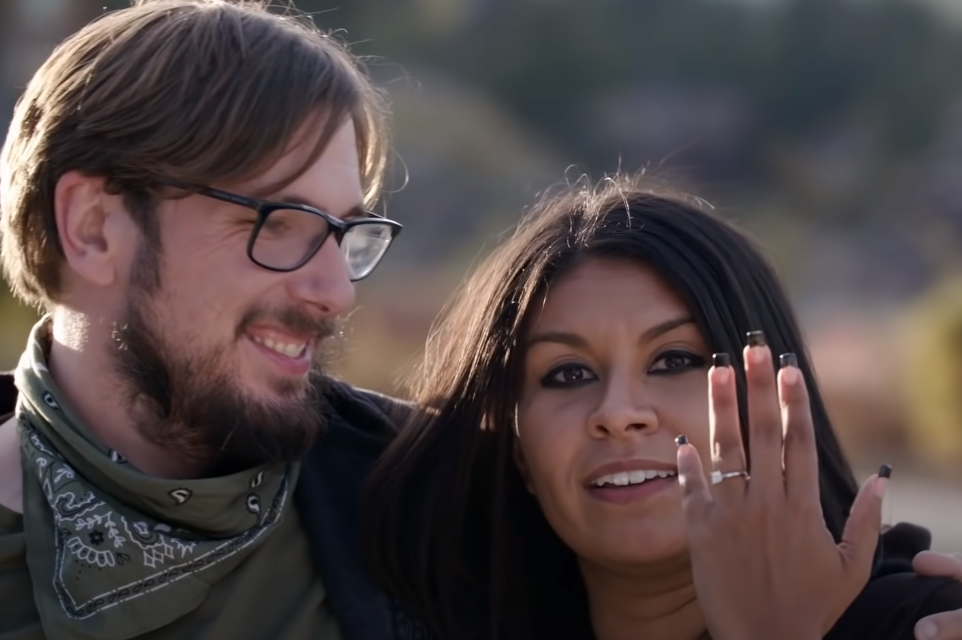 90 Day Fiancé couple Colt Johnson and Vanessa Guerra pose with Guerra's engagement ring