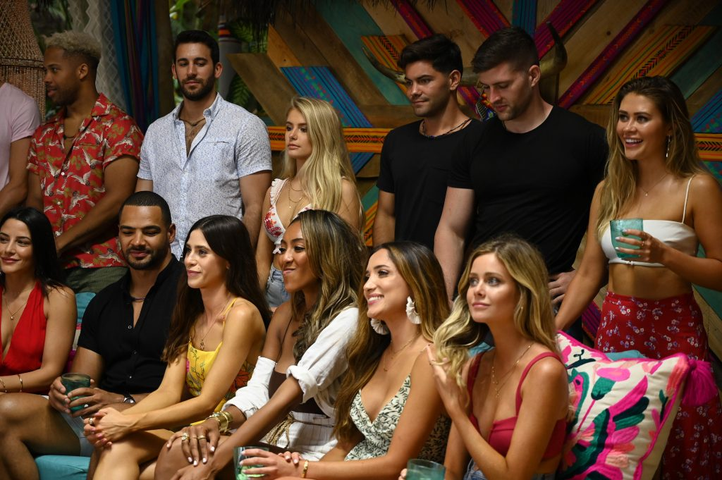 The cast of 'Bachelor in Paradise' Season 6 standing next to each other