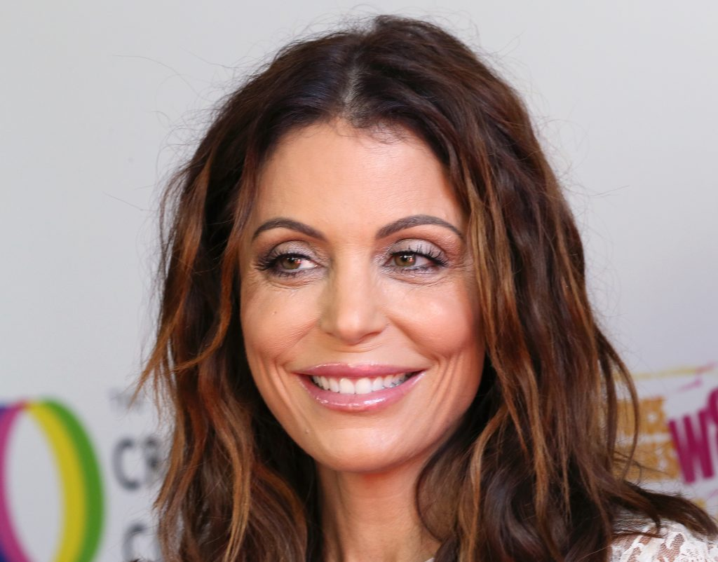 'RHONY' alum Bethenny Frankel smiles for cameras as she attends the Creative Coalition's Annual Television Humanitarian Awards Gala 2019 at Ocean Prime
