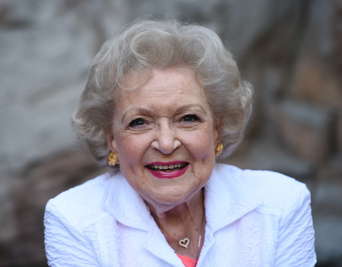 Betty White smiles for the camera at the Los Angeles Zoo