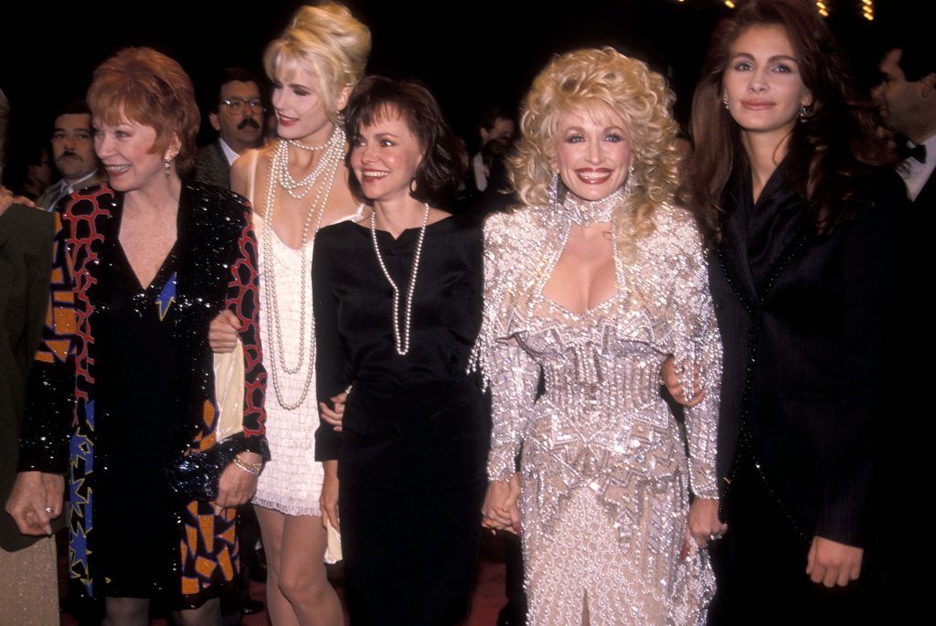 Cast of 'Steel Magnolias: (l-r) Shirley MacLaine, Daryl Hannah, Sally Field, Dolly Parton and Julia Roberts attend the 'Steel Magnolias' New York City Premiere