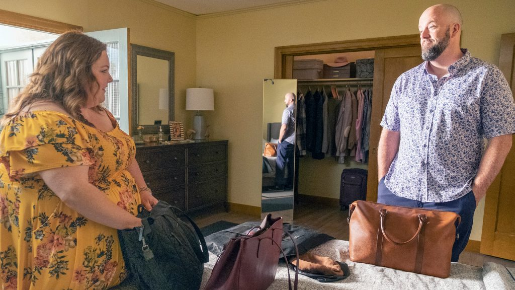 Chrissy Metz as Kate and Chris Sullivan as Toby unpacking in 'This Is Us' Season 5 Episode 16