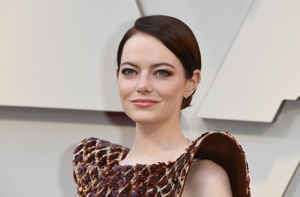 Emma Stone smiles on the red carpet at the 91st Annual Academy Awards