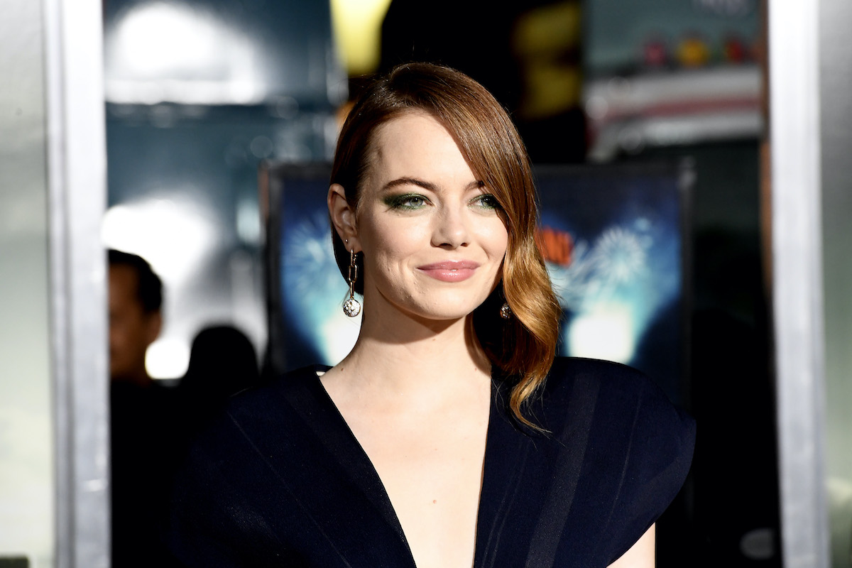Emma Stone wears a dress at the 'Zombieland Double Tap' premiere