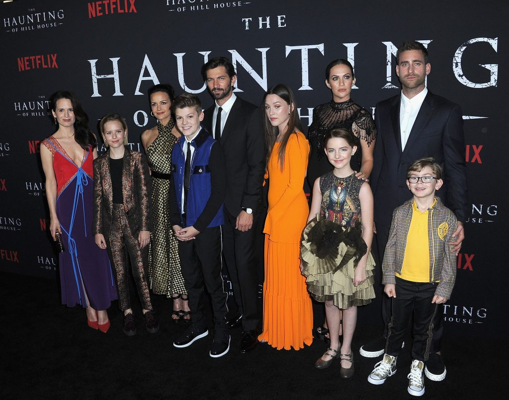 The cast of Netflix's 'The Haunting Of Hill House' poses together at the premiere