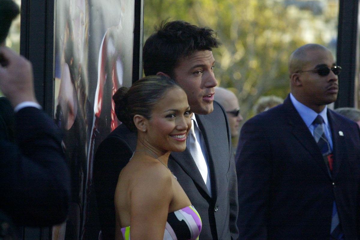 Jennifer Lopez and Ben Affleck pose on the red carpet at 'Daredevil' premiere