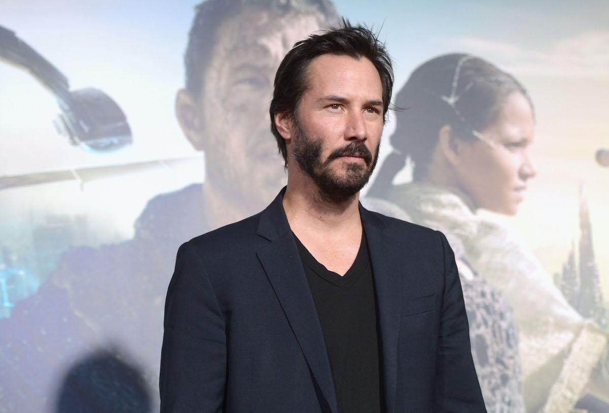 Keanu Reeves poses at the 'Cloud Atlas' premiere
