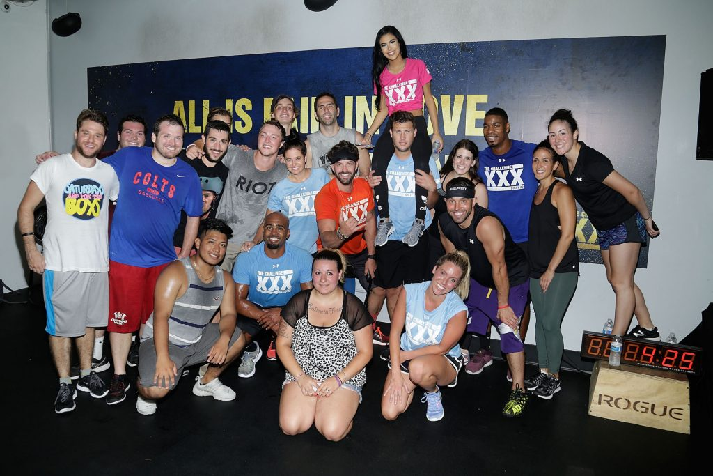 Contestants from MTV's 'The Challenge' all huddled together at 'The Challenge XXX: Ultimate Fan Experience'