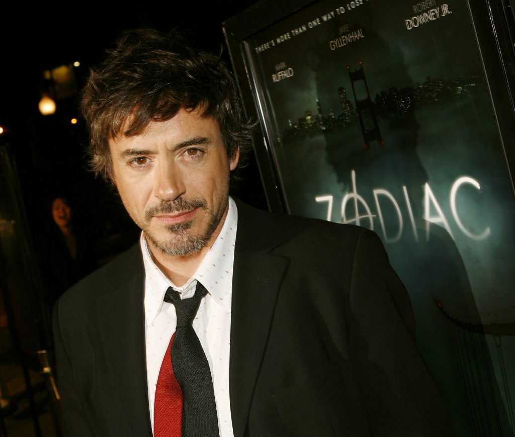 Actor Robert Downey Jr. arrives at the premiere of Paramount Picture's 'Zodiac' at the Paramount Theatre