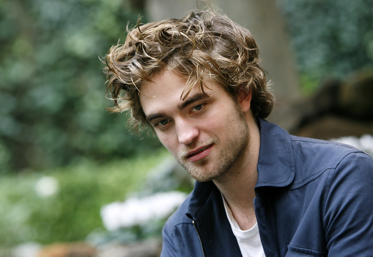 Twilight': Why Robert Pattinson Was Afraid He'd Be 'S.h.o.t or S.t.a.b.b.ed'  - Comedy News