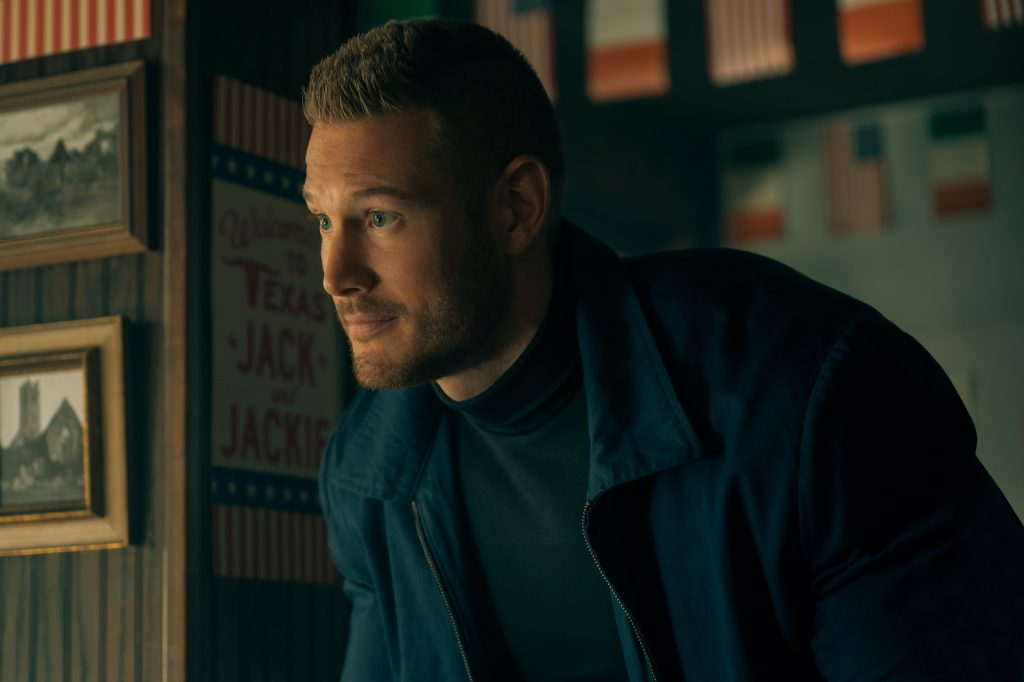 Tom Hopper as Luther Hargreeves