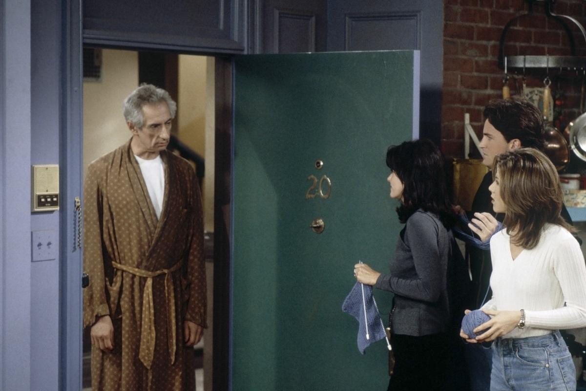 Larry Hankin as Mr. Heckles in 'Friends'