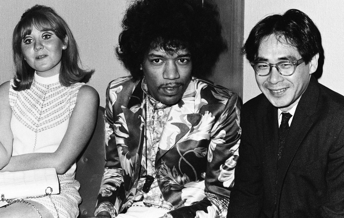Lulu, Jimi Hendrix, and Koh Hasebe sit together at a Melody Maker awards event in 1967.