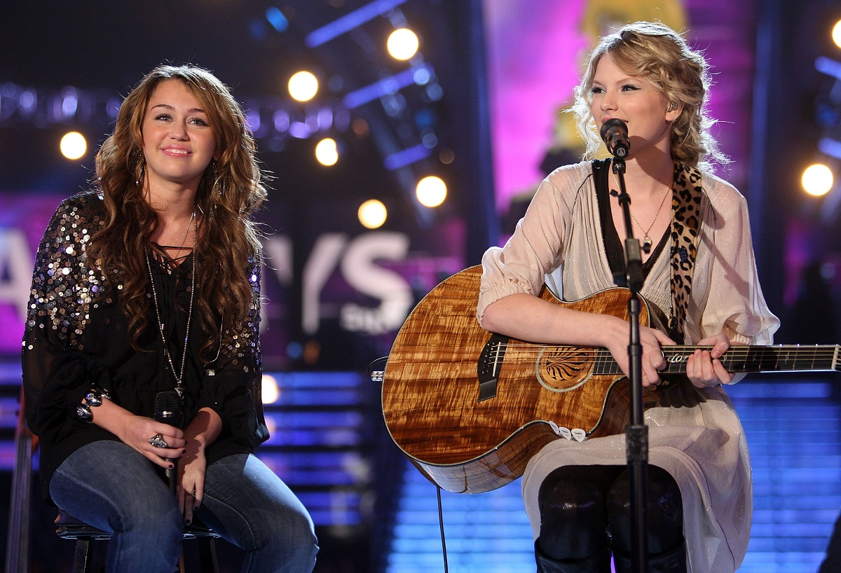 Miley Cyrus (L) and Taylor Swift performing onstage at the 51st Annual GRAMMY Awards on February 8, 2009, in Los Angeles, California.