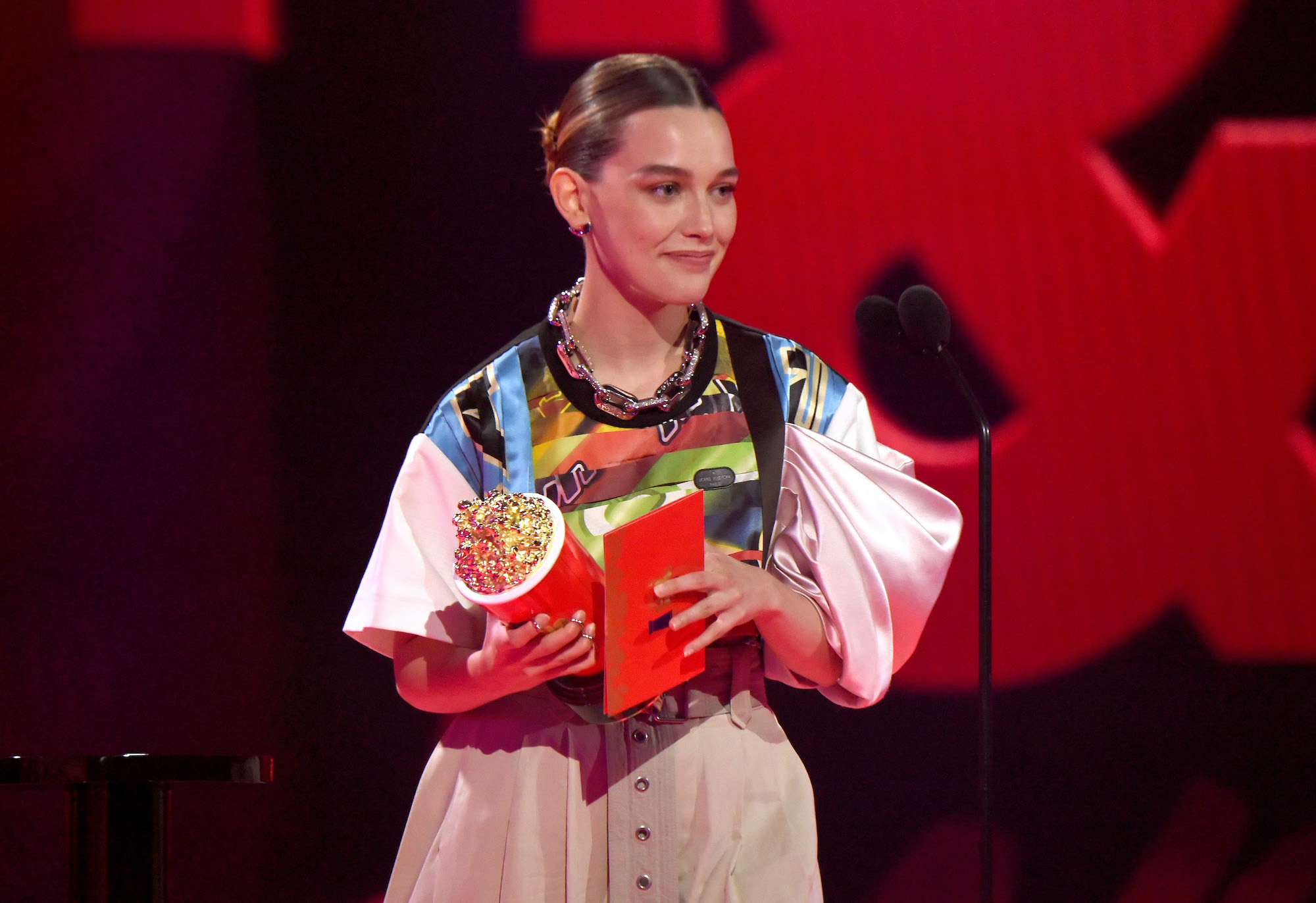 Victoria Pedretti accepts the Most Frightened Performance award for 'The Haunting of Bly Manor' at the 2021 MTV Movie & TV Awards