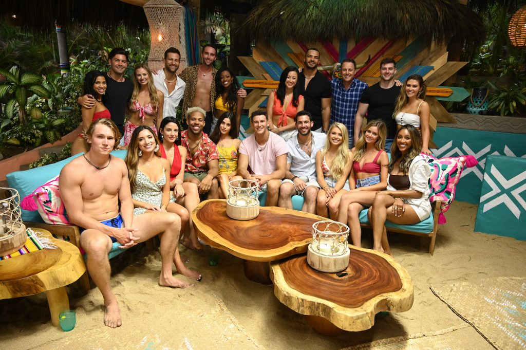 'Bachelor in Paradise' cast sit together before rose ceremony