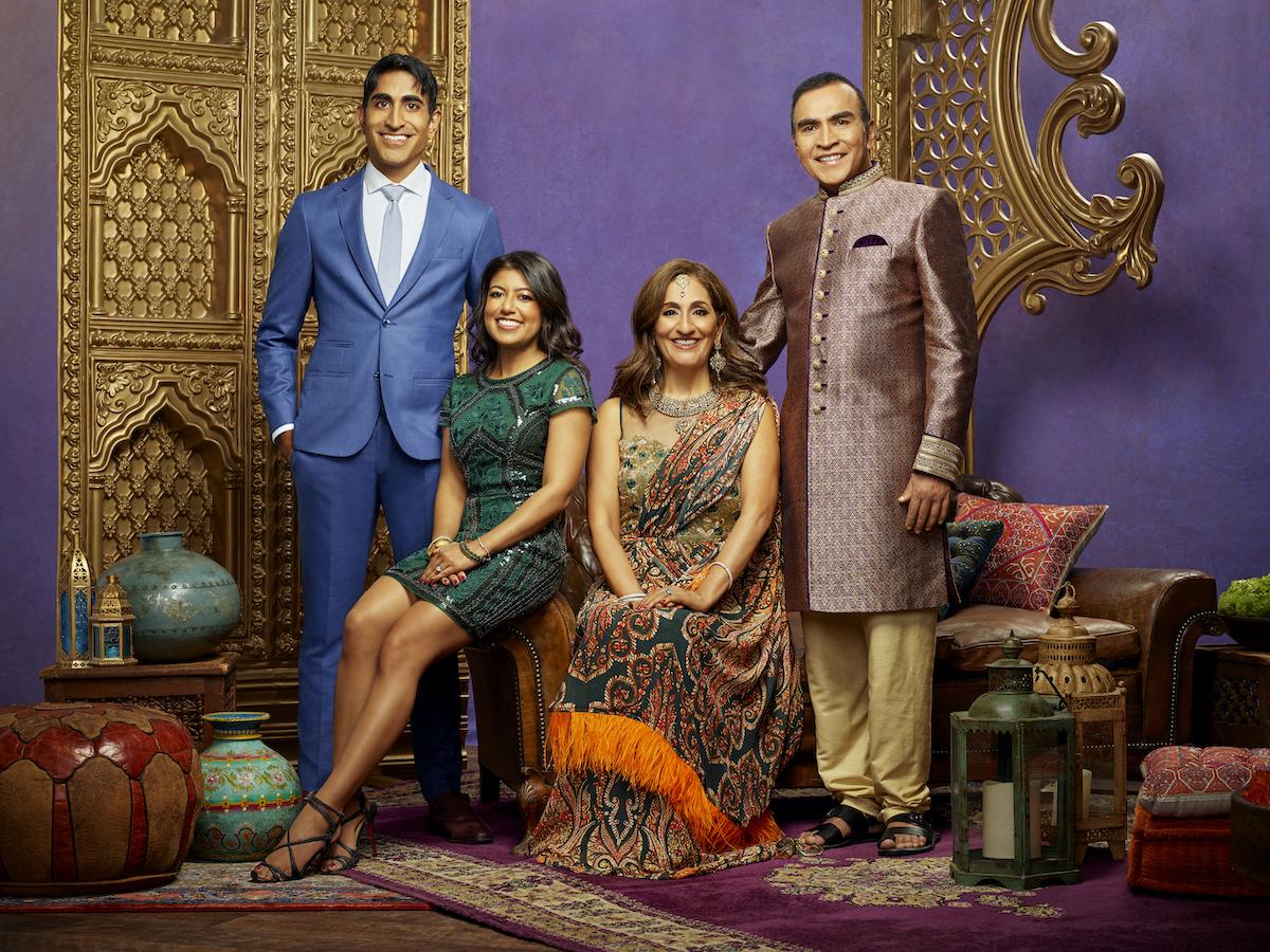 Family Karma cast photo of Vishal Parvani, Richa Sadana, Reshma Parvani, Kishor Parvani