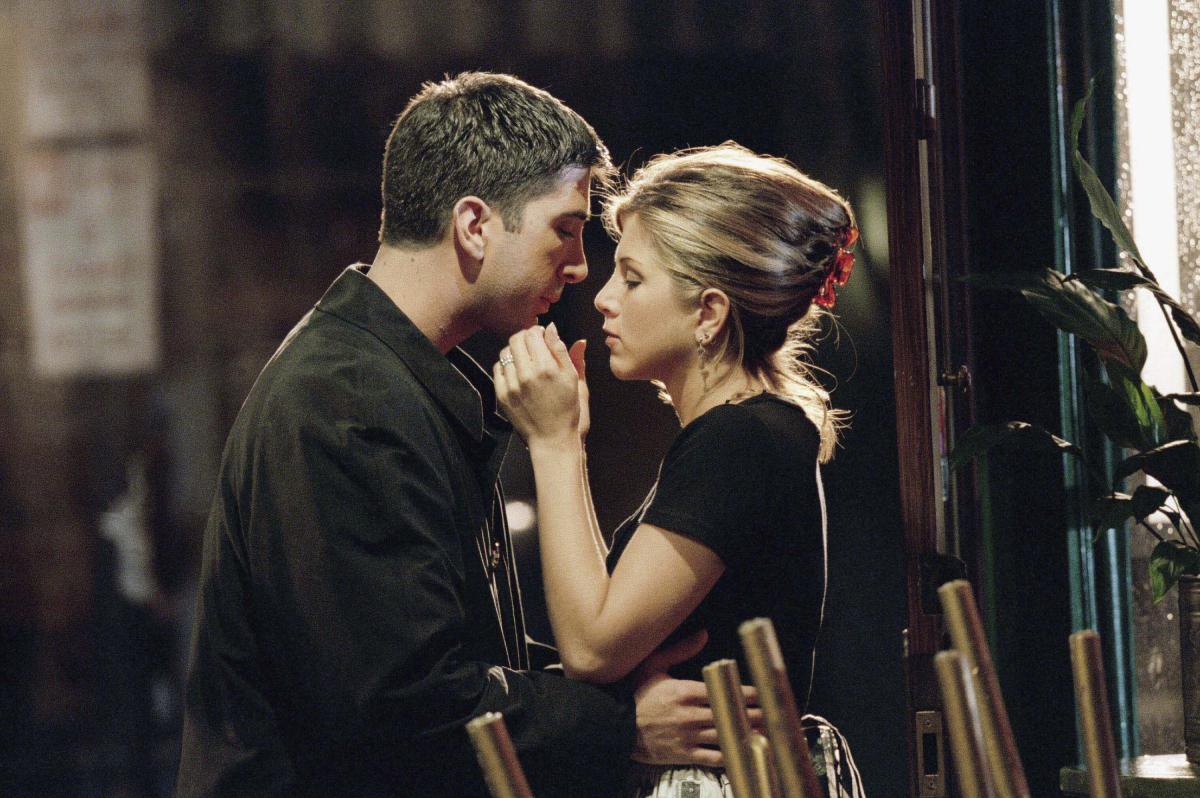 'Friends' stars Jennifer Aniston (Rachel) and David Schwimmer (Ross) from a 1995 episode
