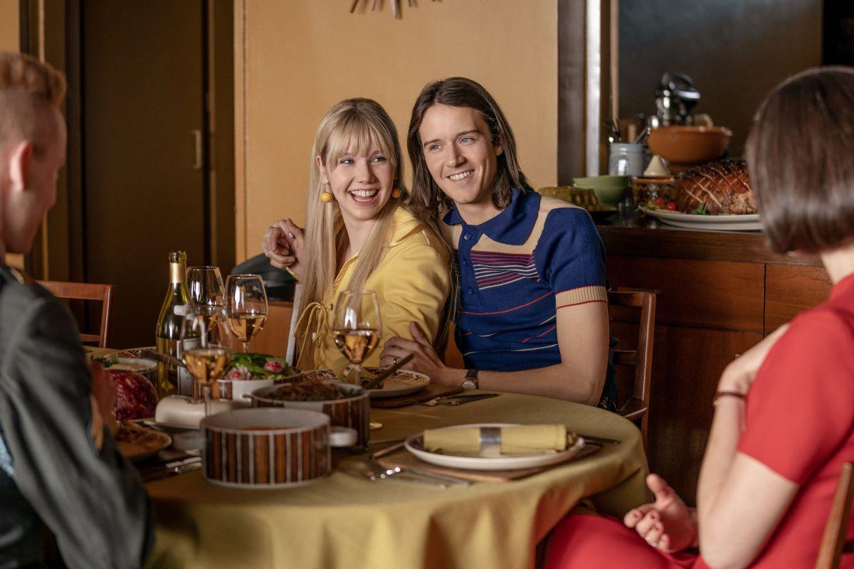 Lauren Lyle and Cesar Domboy on 'Outlander'
