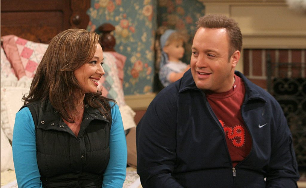Leah Remini and Kevin James in a scene from 'The King of Queens'