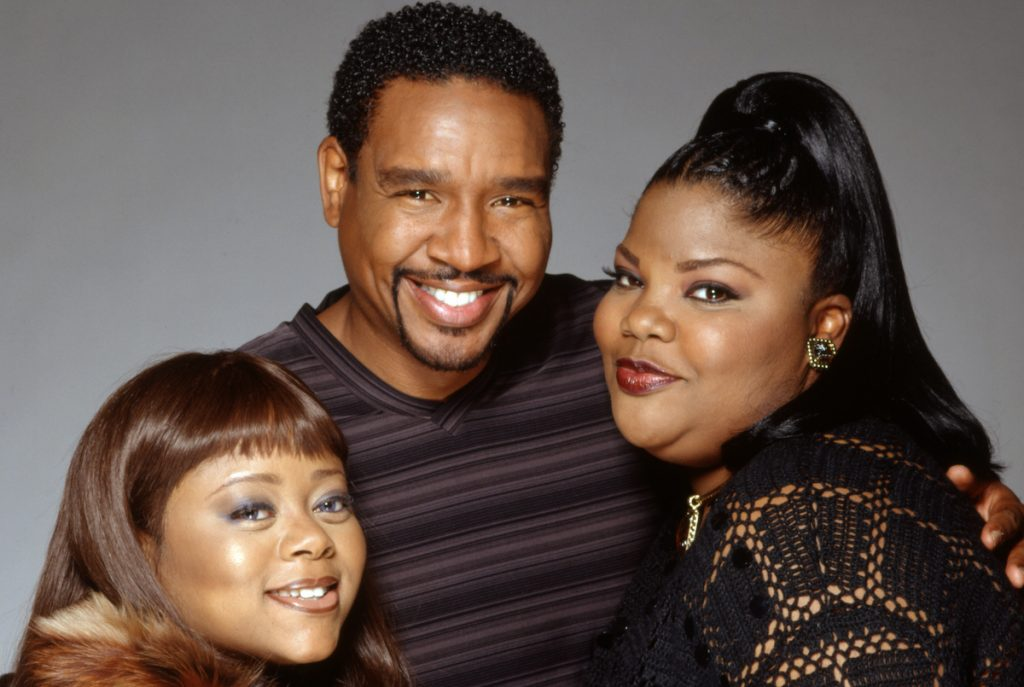 The cast of 'The Parkers' smiling for a promotional photo for the show