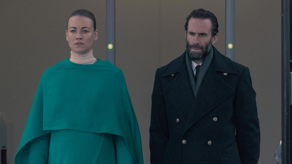Yvonne Strahovski as Serena Joy and Joseph Fiennes as Fred talk together in 'The Handmaid's Tale' Season 4 Episode 8, 'Testimony'